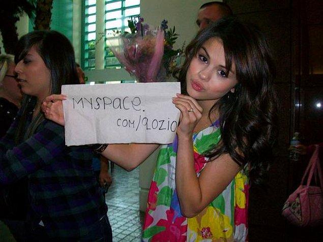 4. Selena Gomez olmasa olur mu?