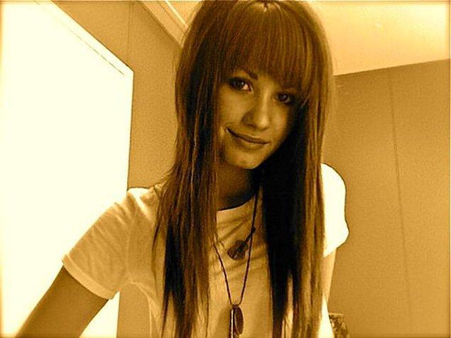 9. Demi Lovato da dönemin en popüler yıldızlarından biri olarak platformda yerini almıştı.