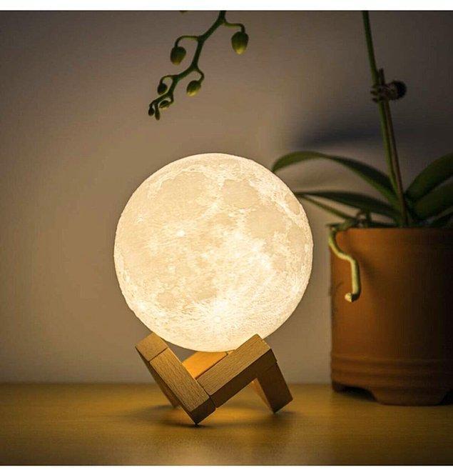 10. Ay gece lambası odanızın veya çalışma masanızın en estetik parçası olacak!