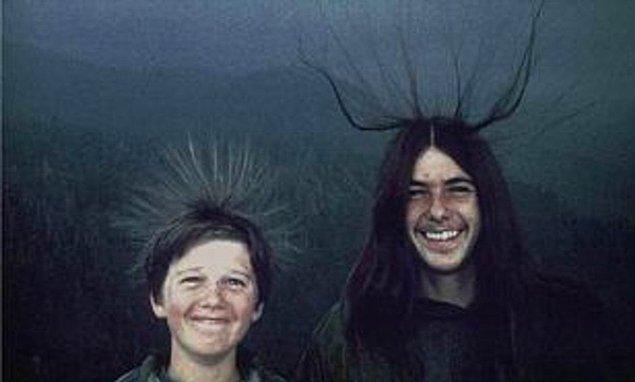 2. Sean ve Michael McQuilken isimli iki gence yıldırım çarpmadan kısa süre önce çekilen fotoğraf: