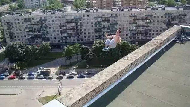 10. Ters takla atarken binadan aşağı düşerek hayatını kaybeden genç: