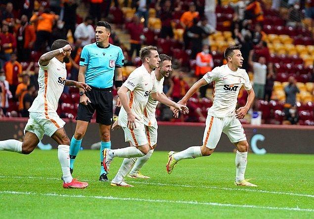 Bu sonuçla ligde 4 hafta sonra 3 puanla tanışan Galatasaray 11 puana yükseldi. 3 puan hasreti 3 maça çıkan Göztepe ise 5 puanda kaldı.