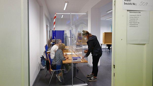 Almanya Seçimleri: Sandık Çıkış Anketlerine Göre Sosyal Demokrat Parti Az Farkla Önde