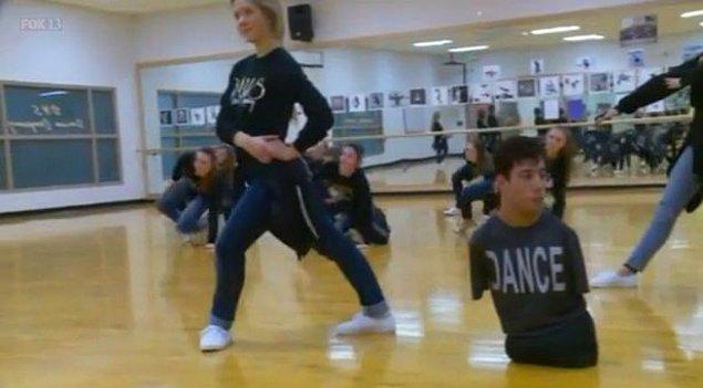 Profesyonel bir dansçı oldu ve birçok gösteriye katıldı.
