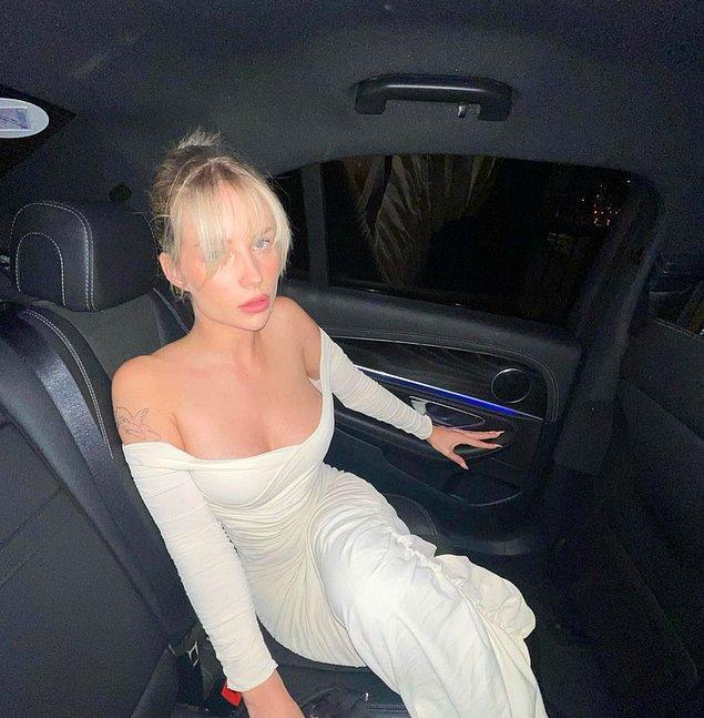 Ünlü model ablası Kate Moss gibi modellik kariyerini devam ettiren Lottie Moss, aynı zamanda sosyal medyayı da aktif şekilde kullanıyor.