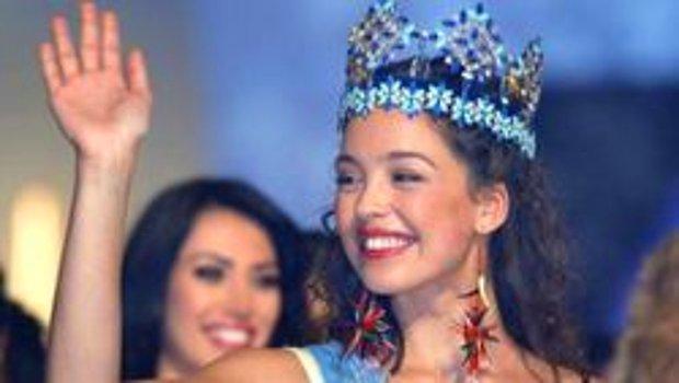 Azra Akın'ı 2002 Miss World Güzeli Yapan Elbisenin Etkileyici Hikayesi...