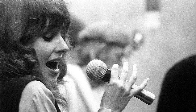 Grace Slick, hangi müzik grubunun solistiydi?