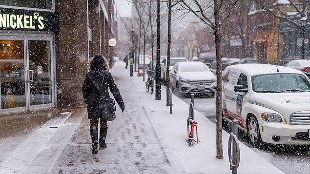 """3. """"Yaşadığınız yere göre kış ya çok zorlu geçiyor ya da gerçekten şiddetli. Kar ve soğuğun dışında, günler gerçekten çok kısa..."""
