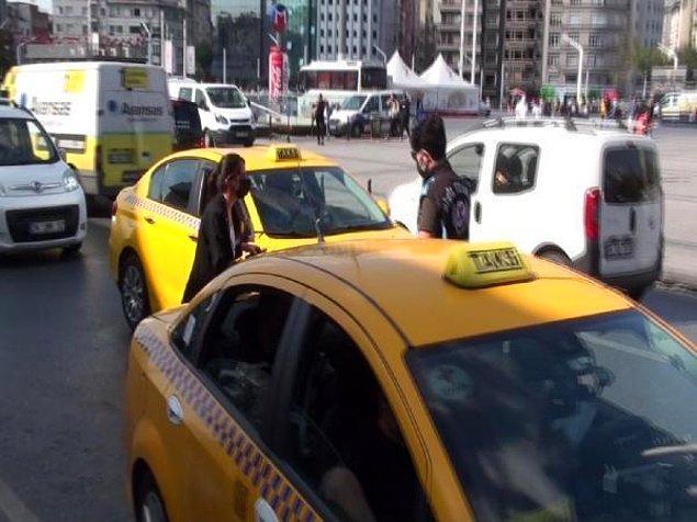 Ekipler ayrıca taksi bekleyen turistleri durdukları boş taksilere bindirerek gönderdi.