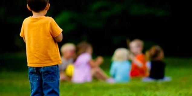 Çocuklarda Sosyal Fobi Neden Olur?