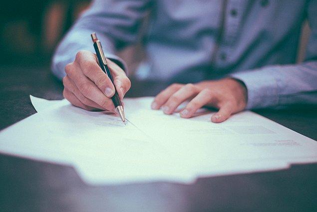 1. Bu dönem iş hayatınızda yaptığınız sözleşmelere dikkat edin. Retro dönemlerinde yapılan sözleşmeler daha sonra sıkıntı çıkarıp, başınızı ağrıtabilir.