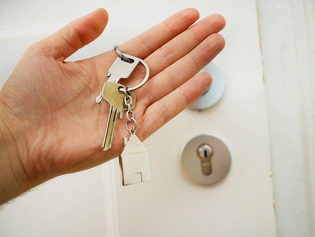 6. Taşınma, ev alma ya da kiralama gibi gayrimenkul işlerini bu dönemde yapmamanız çok daha sağlıklı bir karar olacaktır.