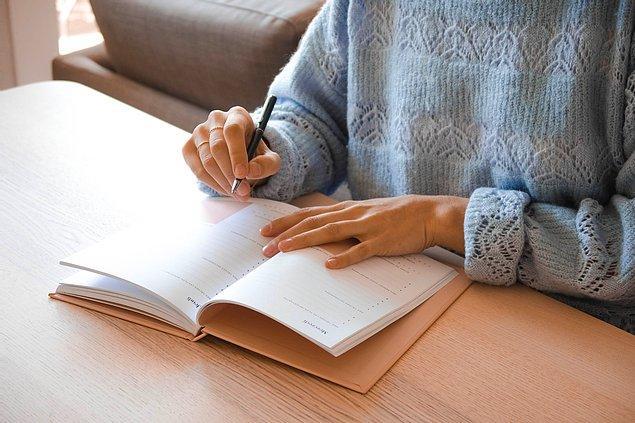 9. Yeni kararlar almak yerine daha önce aldığınız ve yarım kalmış kararlarınızı uygulamaya geçirebilirsiniz.