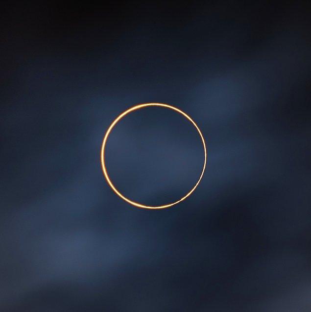 1. Güneş yüzüğe dönüşmüş: