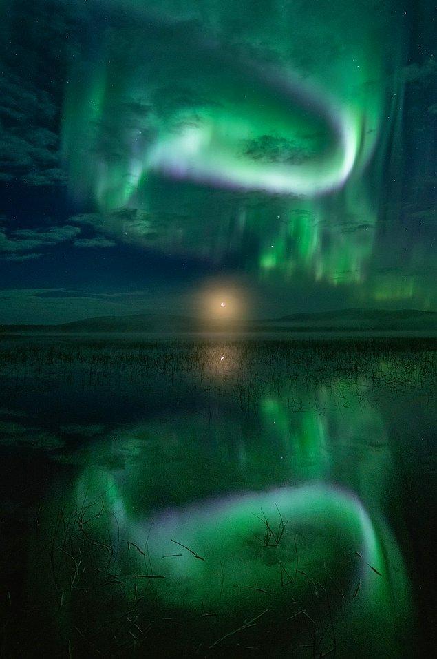 5. Ay, göl ve ışıklar bir arada: