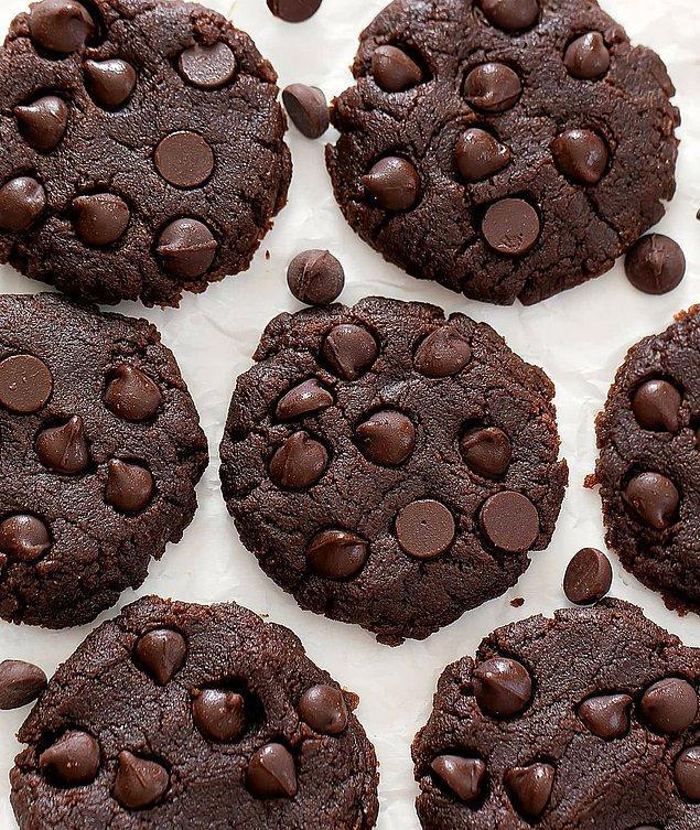 2. Kakaolu Damla Çikolatalı Kurabiye Tarifi