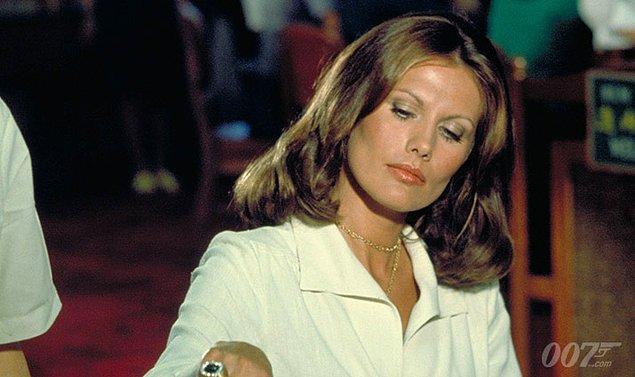 12 - İki kez Bond Kızı olan tek isim.