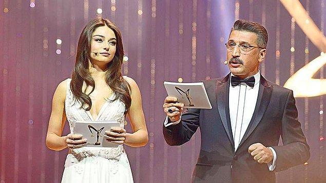 O yıl ilk sunuculuk deneyimini de yaşadı. Hem de Türkiye'nin en prestijli ödül törenlerinden biri olan Altın Kelebek'te!