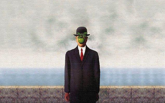 Bazı Fransız sürrealist sanatçılar gösterişli hayatlar sürerken, Magritte resimlerini sık sık dolduran melon şapkalı adamların sembolize ettiği gibi orta sınıf bir varoluşun sessiz anonimliğini tercih etti.