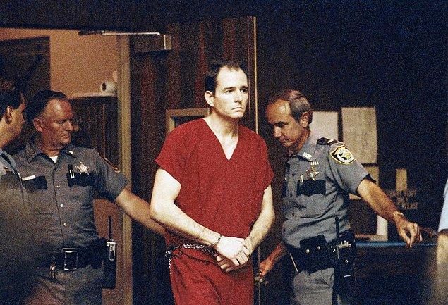 Gainesville katili, hızlı bir kovalamacanın ardından nihayet Ocala'da yakalanandı.