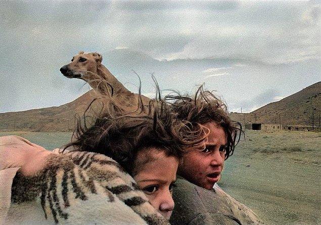 13. Fırtınaya yakalanan çocuklar, Kars, 1990.