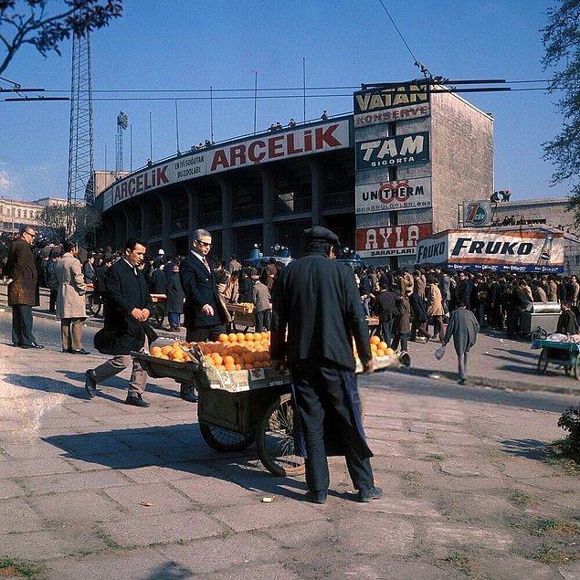25. Mithatpaşa Stadı, İstanbul, 1971.
