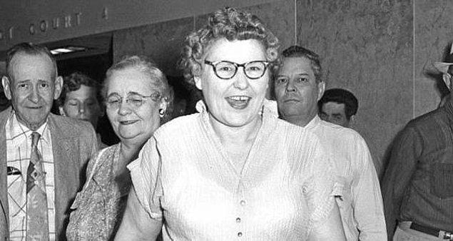 Nannie bir ara kız kardeşini ziyarete gitti. Bu kadın da tuhaf bir şekilde hayatını kaybetti. Tüm olaylar Nannie'nin etrafında dönmesine rağmen polis bir türlü bağlantı kuramıyordu.