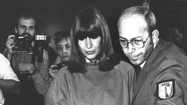Malum dava geldiğinde Grabowski'nin yeni savunmaları da vardı. 1981'de Lübeck bölge mahkemesinde görülen davada Klaus, suçu yalnızca hormonal dengesizlikler nedeniyle işlediğini, önceki yıllarda suçlarından dolayı gönüllü olarak hadım edildiğini savundu.