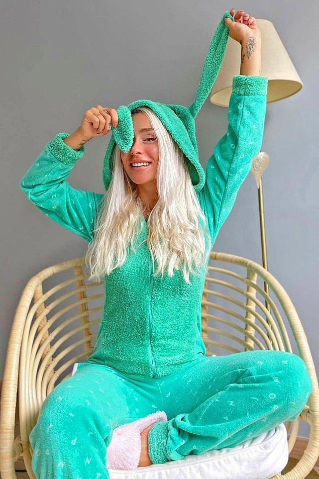6. Yumuşacık bir uyku çekmek için bu pijamaya bir şans verin