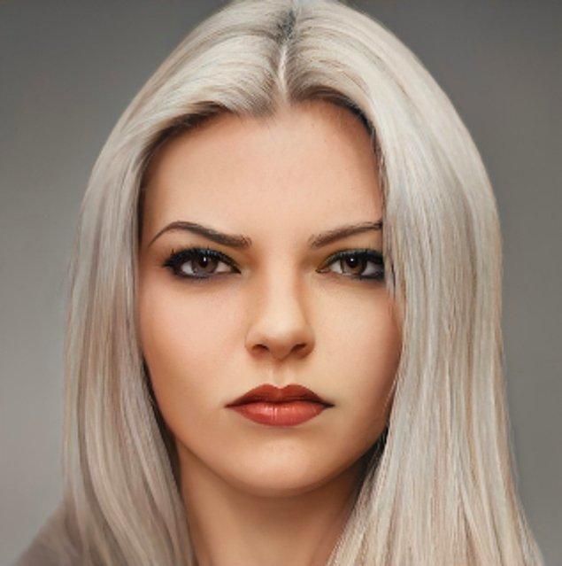 1. Ashe gerçekten de dünyamıza ışınlanmış gibi.  Ana Amari ise genç haliyle ve dövmesi olmadan epey farklı görünüyor.