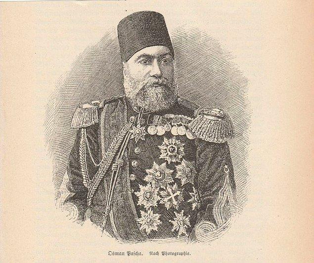Bu arada Papa da dahil birçok yabancı devlet başkanı tarafından da birinci rütbeden nişanlarla mükafatlandırılan Gazi Osman Paşa, siyasi faaliyetlerde de bulunur. İngilizlerin uyguladıkları...