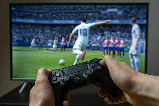 FIFA serisi 1993'ten bu yana oyuncuların futbol açlığını gideren en önemli yapımlardan.