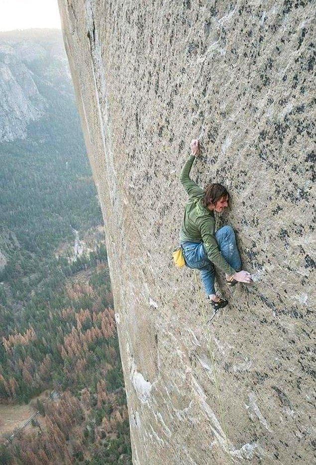 2. Bu dağa tırmandığınızı ve tam da bu noktada mahsur kaldığınızı düşünün...