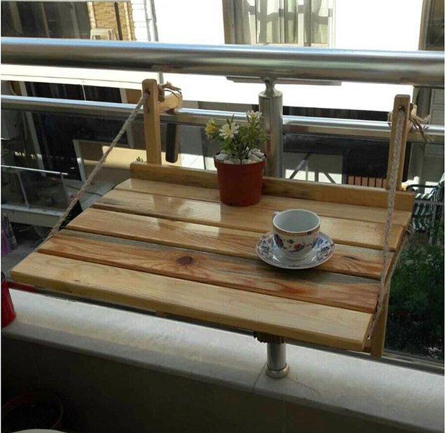 8. Ponçik balkonlar için ideal açılır kapanır masa.
