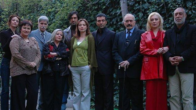 Şungar, Kaybolan Yıllar adlı diziyle 2006 yılında oyunculuğa ilk adımını attı.