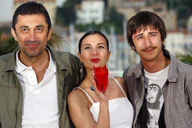 Şungar, bu filmdeki performansı sayesinde Yeşilçam Ödülleri'nde En İyi Genç Yetenek Ödülünü kazandı.