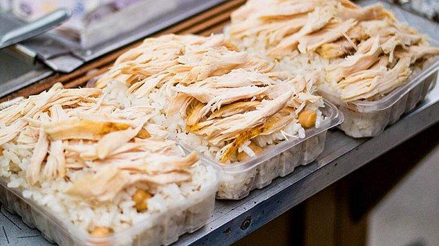 29. İstanbul'un köşe başı lezzeti pilav üstü tavuk…