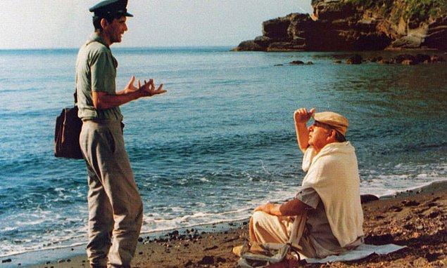12. Il Postino (1994) - IMDb: 7.7