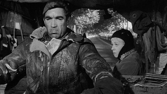 9. La Strada (1954) - IMDb: 8.0