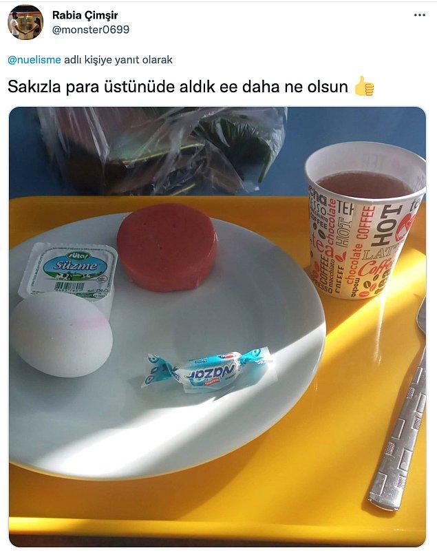 Bu tip paylaşımların yanında bu gıdalara ulaşabilmek için kuyruklar da sosyal medyada gündeme geliyor.