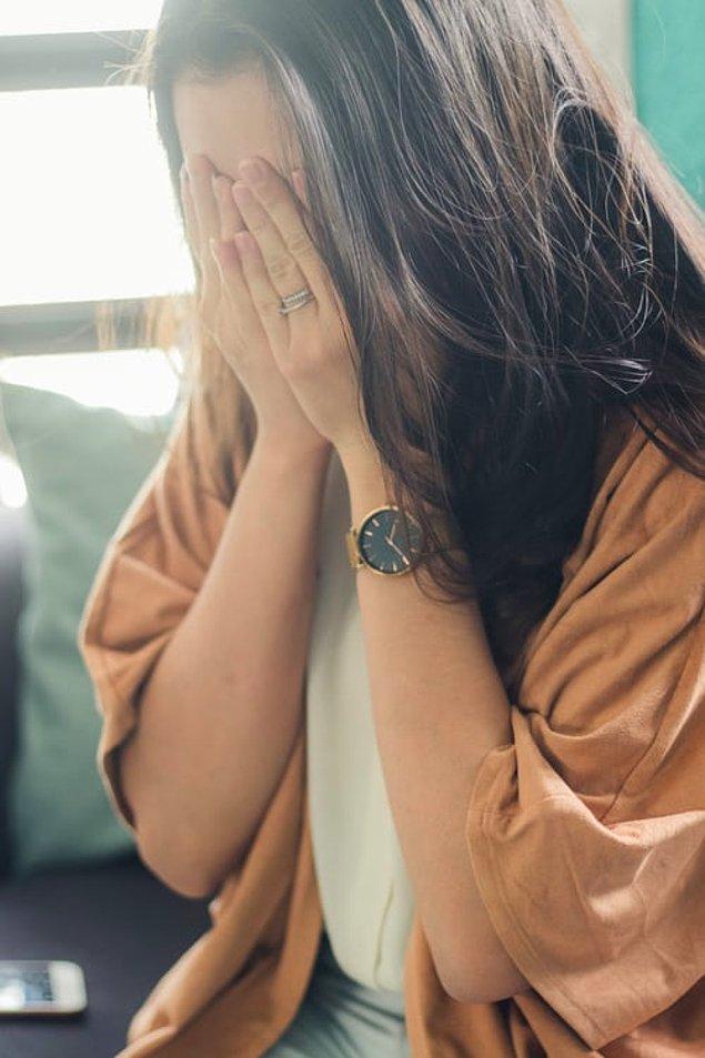 """16. """"Erken düşüklerin sebep olduğu duygusal acıyı gösteriyorlar ama fiziksel acıya hiçbir zaman değinilmiyor. Ben erken düşük geçirdiğimde, bir ay boyunca kramplar hiç kesilmemişti."""""""