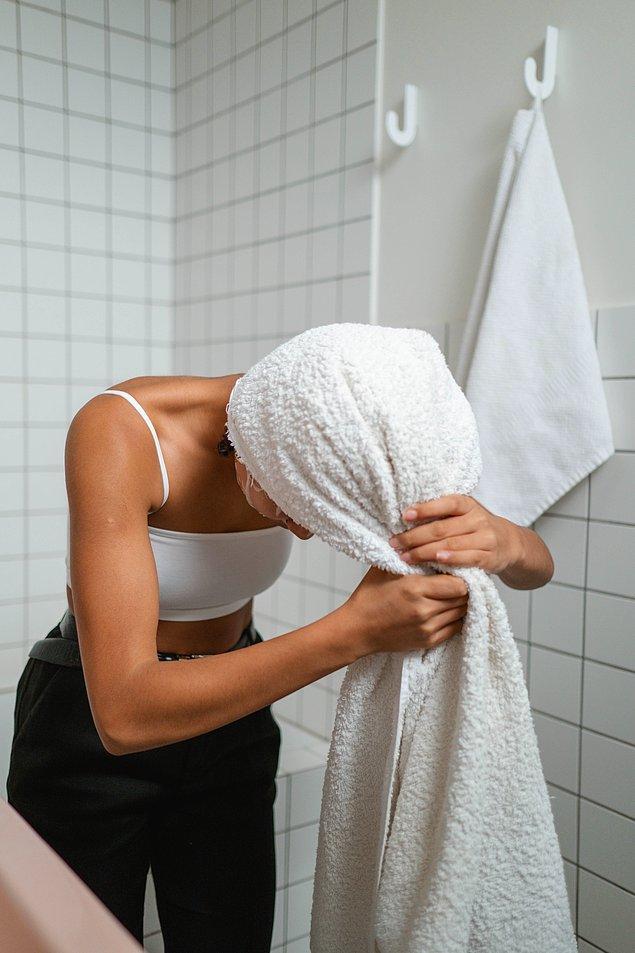 Saçlarınızı çok sık yıkamaktan kaçının.