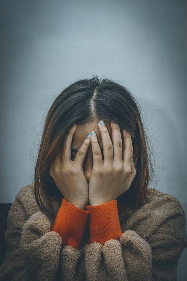 """19. """"Filmlerde genelde mutlu sonu göstermek uğruna doğum sonrası depresyon kısmını es geçerler. Bu durum, hamileliğin, ruh sağlığı üzerindeki etkilerini yok saymaya olanak sağlıyor."""""""