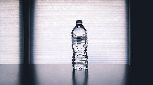 18. Günde 8 bardak su içmek kilo vermenizi sağlamaz.