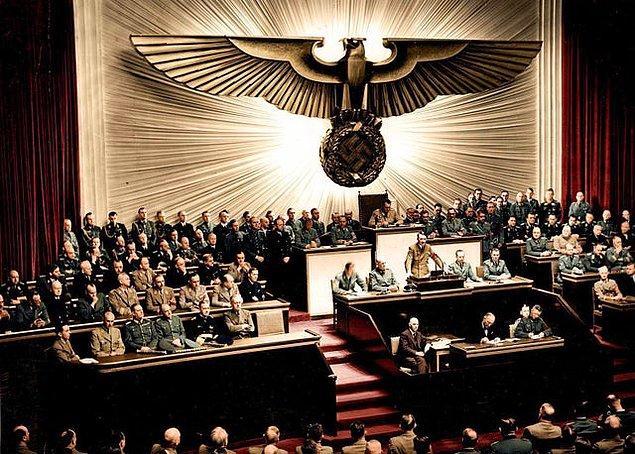 17. Almanya'nın ABD'ye savaş ilan ettiği oturumun, tarihe tanıklık eden fotoğrafı...