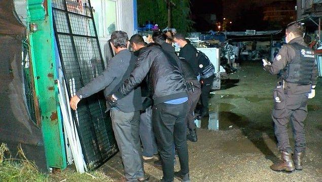 işçiler Geri Gönderme Merkezi'ne götürüldü