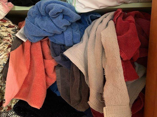 """10. """"Eşim temiz havluları dolaba bu şekilde yerleştiriyor."""""""