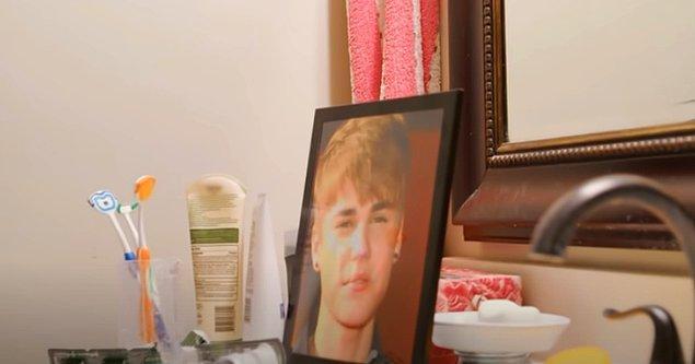 Şimdiye dek 100 farklı estetik operasyon geçiren Toby, tam anlamıyla Bieber'a dönüşmek için bir dizi daha ameliyat olması gerektiğini düşünüyor.