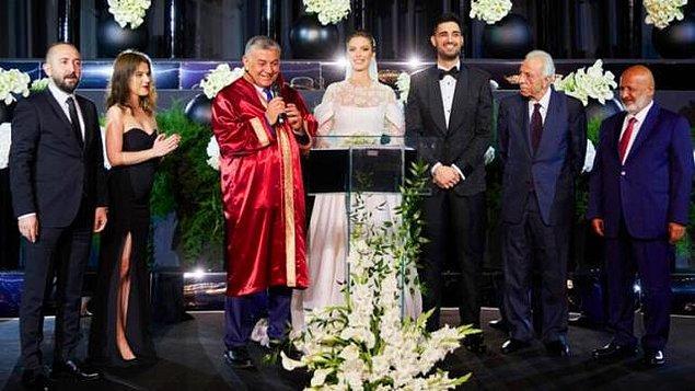 İDO Tatlıses ve Yasemin Şevkatli Evlendi