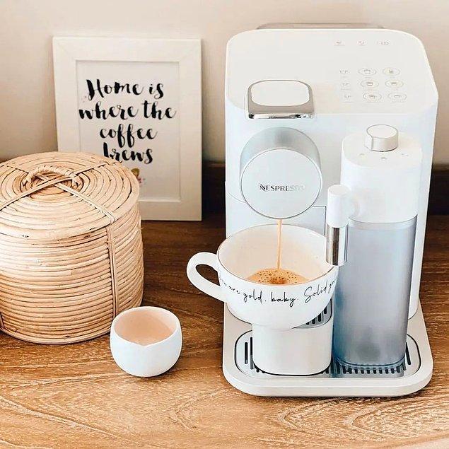 Kapsüllü seçeneklerle hayatımız daha da kolaylaştı tabii... Tam otomatik kahve makinelerinden bahsetmeden olmaz!